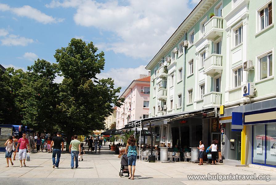 1-ви километър: Главна улица на град Сливен